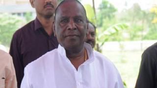 Puducherry CM V Narayanasamy joins students in recital of National Anthem